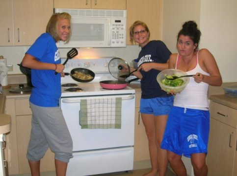 softball 10 (college cooking)